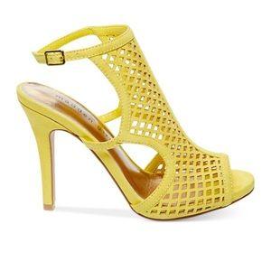 Madden Girl Regall heels